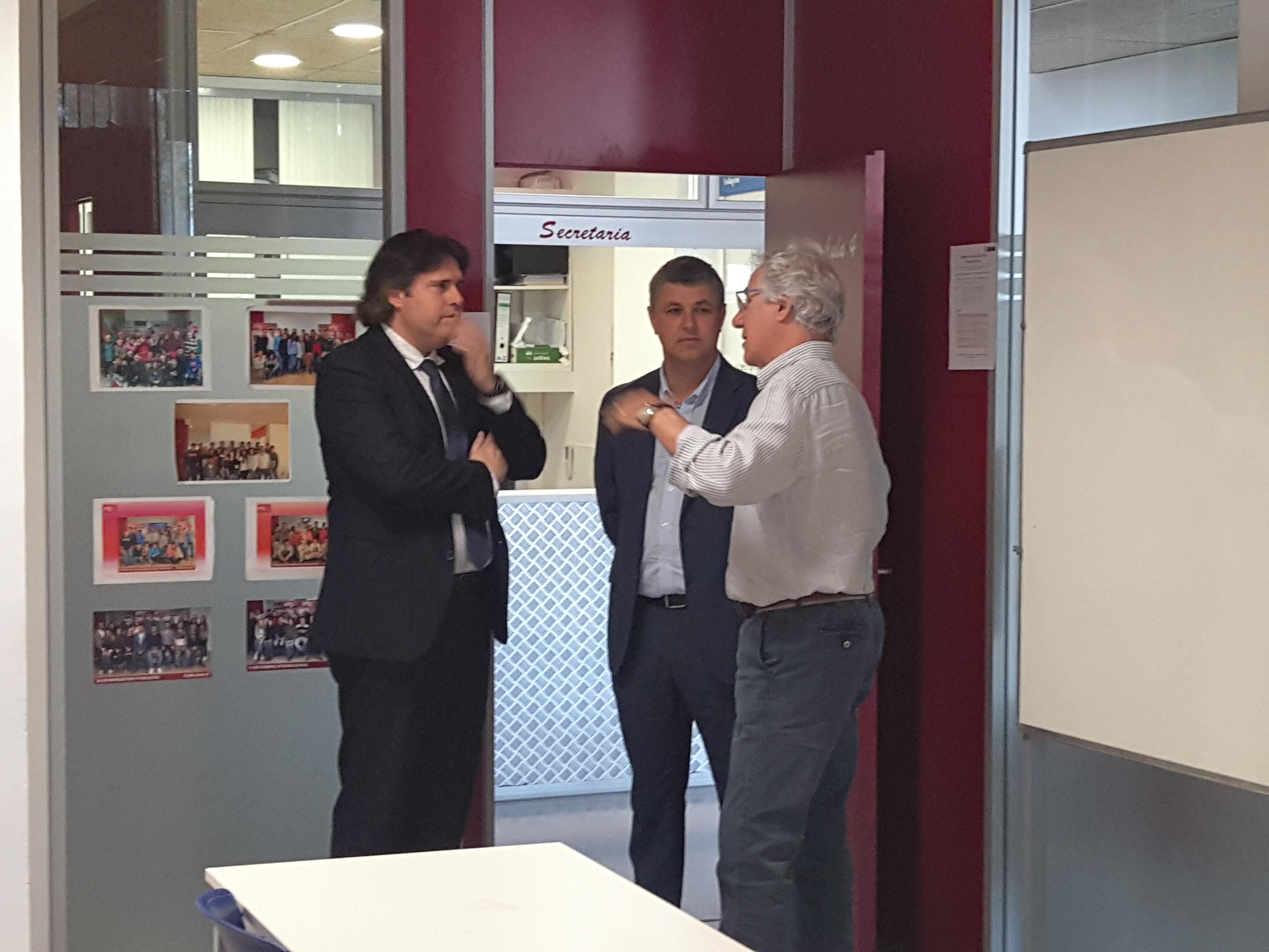 hem rebut la visita del president de la Diputació de Girona el senyor Pere Vila acompanyat del Diputat d'Esports