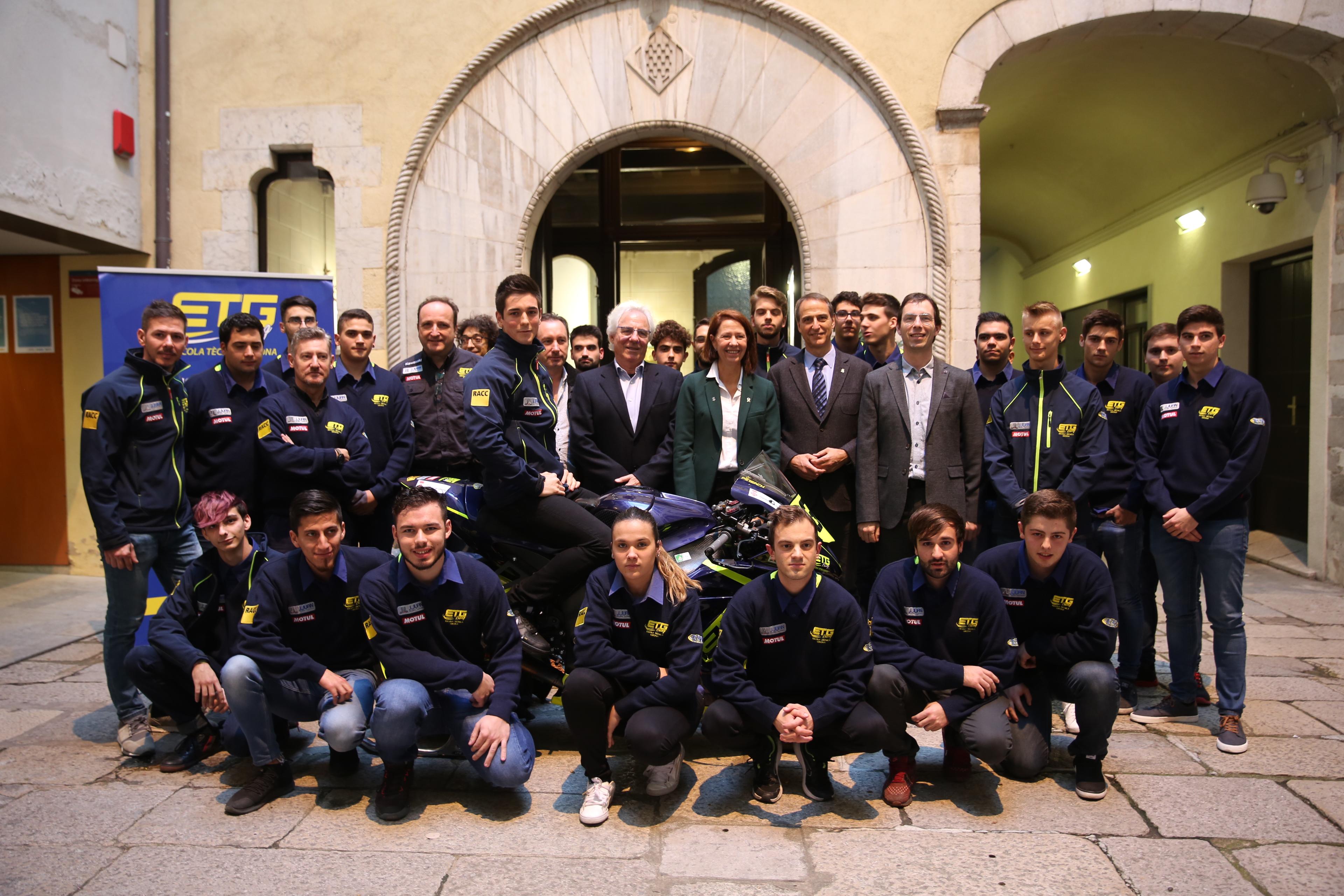 L'Ajuntament de Girona reconeix el mèrit esportiu del pilot Xavi Pinsach i de l'equip ETG Racing