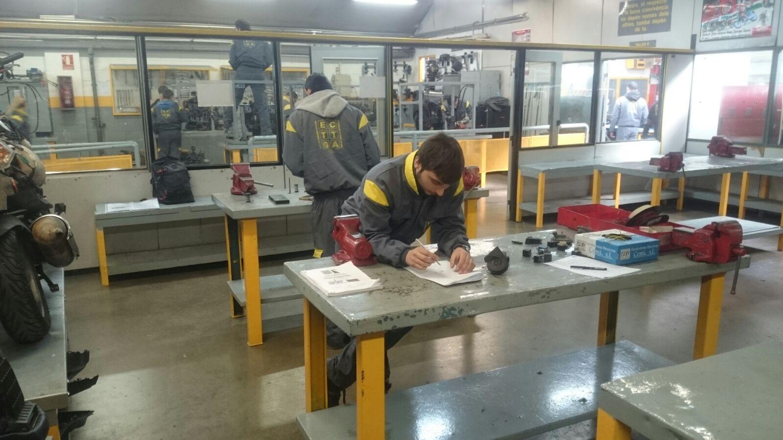 Els nostres alumnes demostren les seves habilitats per tal de ser seleccionats pel campionat de Catalunya de formació professional